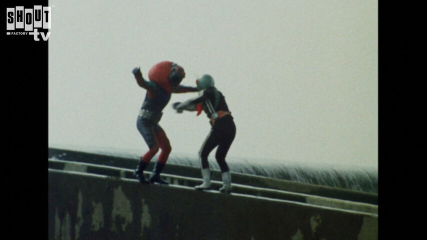 Kamen Rider: S1 E70 - Monster Electric-Guitarbotal's Fireball Attack
