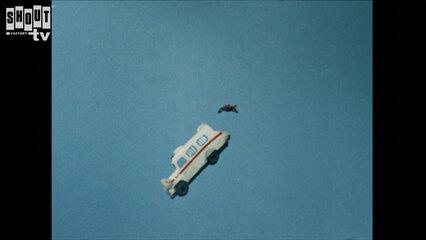 Kamen Rider: S1 E95 - Monster Garaox's Sky-Flying Car