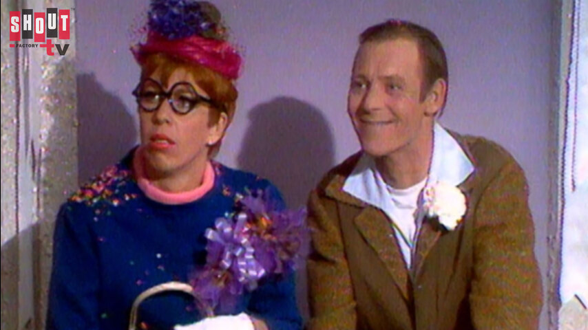 The Carol Burnett Show: S2 E25 - Larry Hovis, Barrie Chase