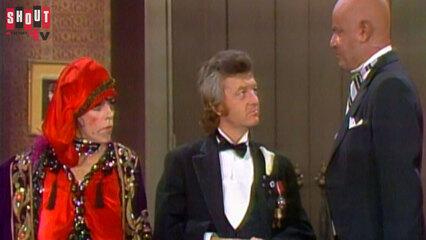 The Carol Burnett Show: S7 E4 - Helen Reddy, John Byner