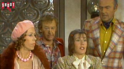 The Carol Burnett Show: S8 E8 - John Byner, Helen Reddy