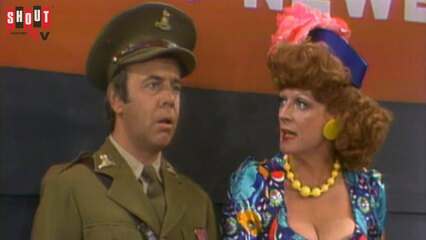 The Carol Burnett Show: S9 E6 - Maggie Smith