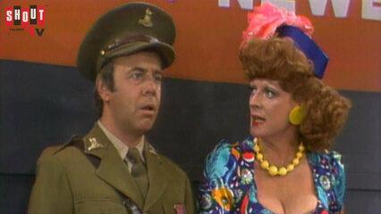 The Carol Burnett Show: S9 E6 - Maggie Smith
