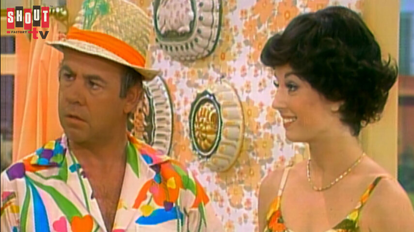 The Carol Burnett Show: S10 E22 - Neil Sedaka