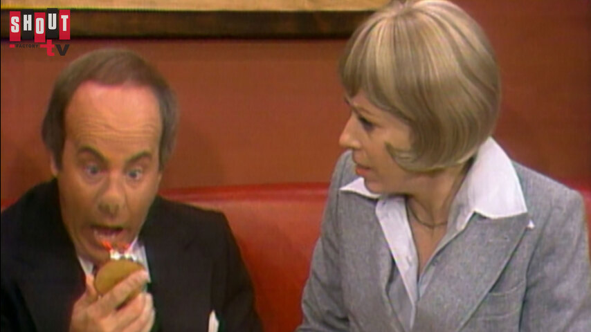 The Carol Burnett Show: S10 E15  - Glen Campbell