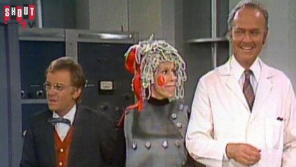 The Carol Burnett Show: S7 E23 - John Byner, Francine Beers