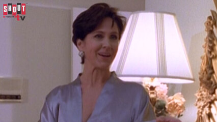 Silk Stalkings: S5 E17 - Exit Dying