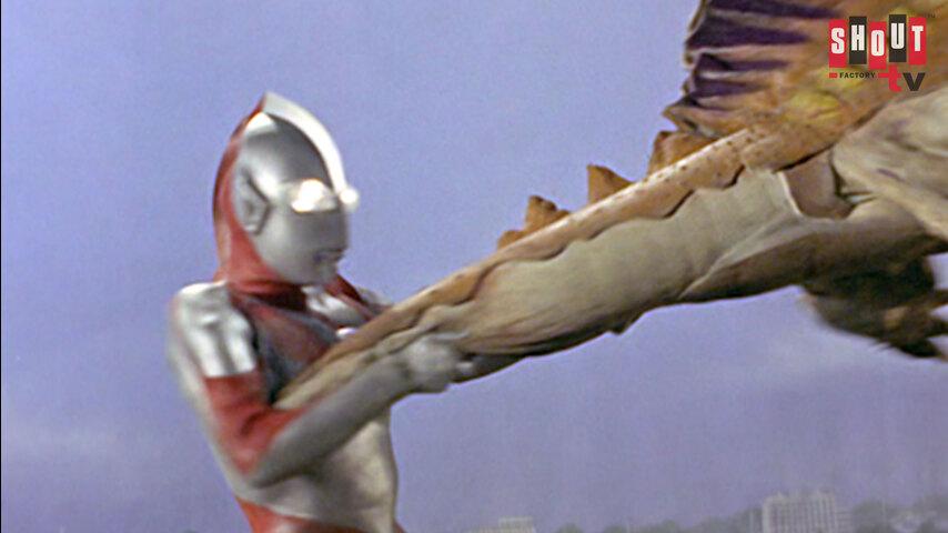 Ultraman: S1 E15 - Terrifying Cosmic Rays
