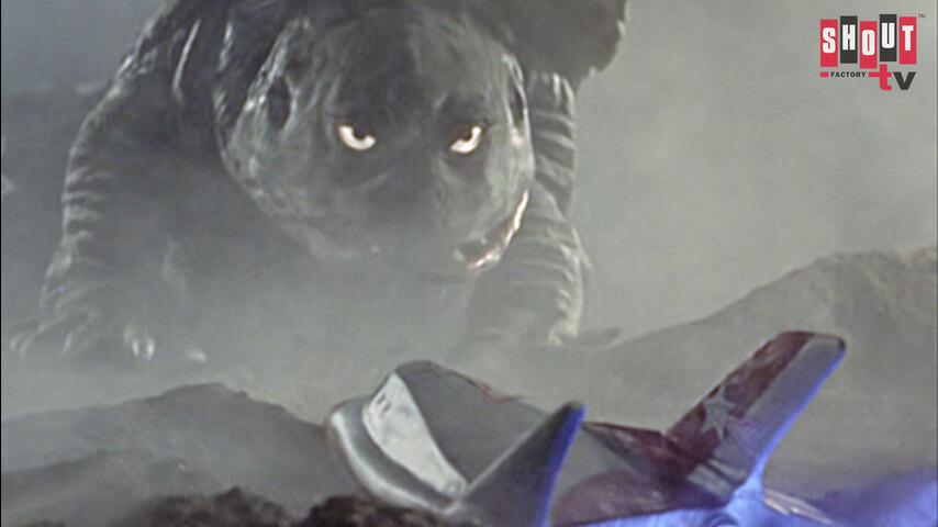 Ultraman: S1 E21 - Breach The Wall Of Smoke