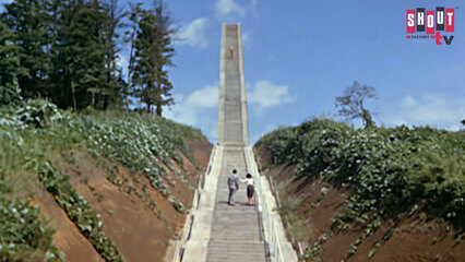 Ultraman: S1 E17 - Passport To Infinity