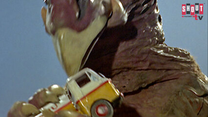 Ultraman: S1 E20 - Terror On Route 87