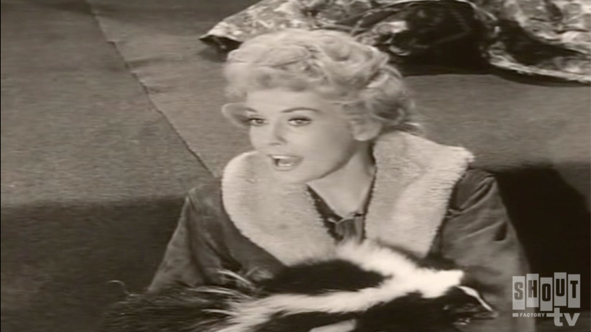 The Beverly Hillbillies: S1 E15 - Jed Rescues Pearl