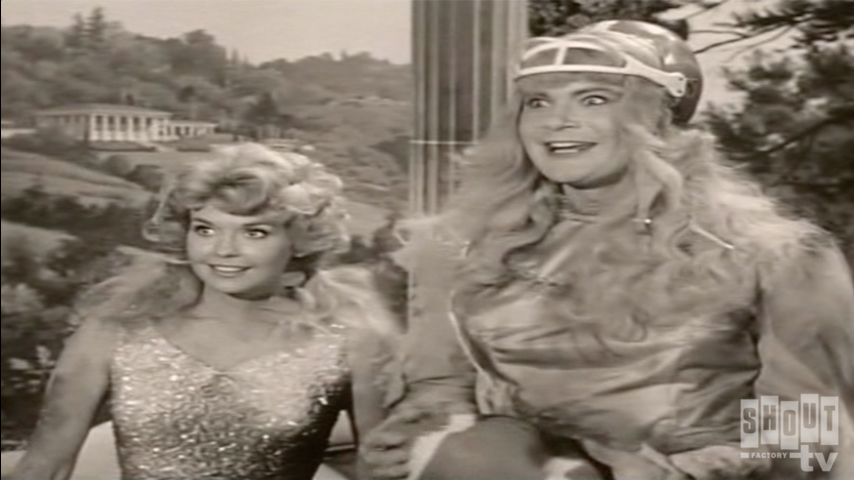 The Beverly Hillbillies: S1 E18 - Jed Saves Drysdale's Marriage