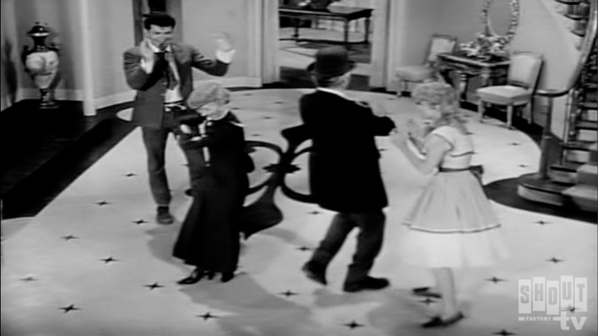 The Beverly Hillbillies: S2 E2 - Hair-Raising Holiday