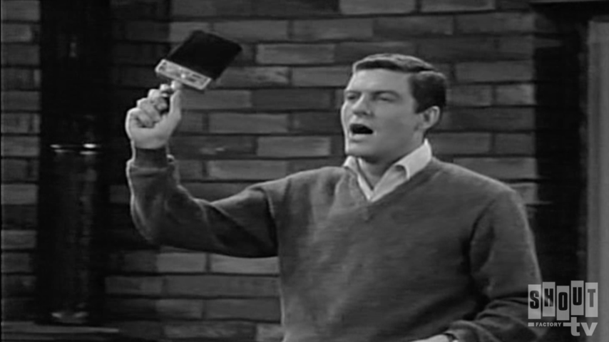 The Dick Van Dyke Show: S2 E23 - Give Me Your Walls