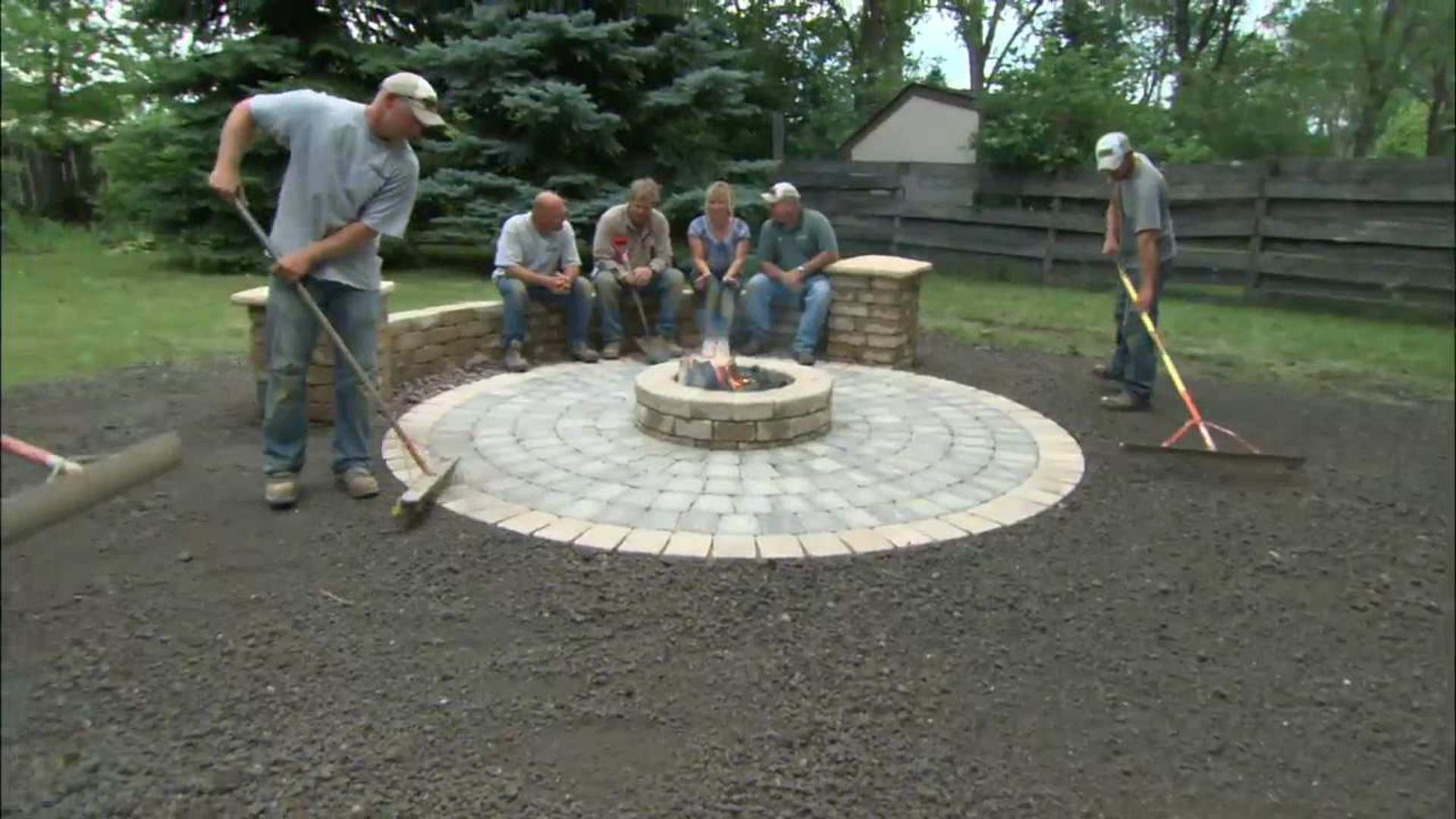 Build A Round Patio With Fire Pit