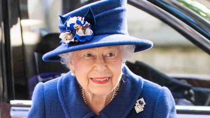 Queen Elizabeth Steps Out in Public with a Cane for the First Time in 17 Years