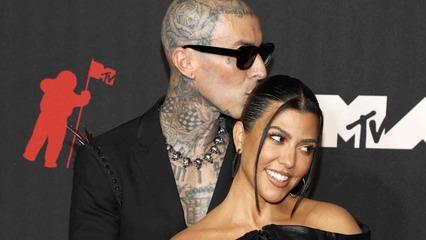 10/18/21 | All About Travis Scott's Whirlwind Proposal to Kourtney Kardashian + Zac Brown Talks Bouncing Back from Touring Hiatus